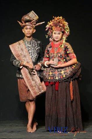 Baju Bodo Pakaian Adat Dari Daerah pakaian adat sulawesi tengah