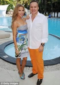 real housewife lisa hochstein sued  interior designer