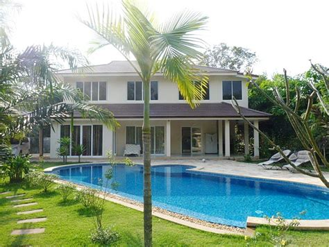 5 bedroom houses for sale with swimming pool beautiful waterside house in east pattaya business in siam