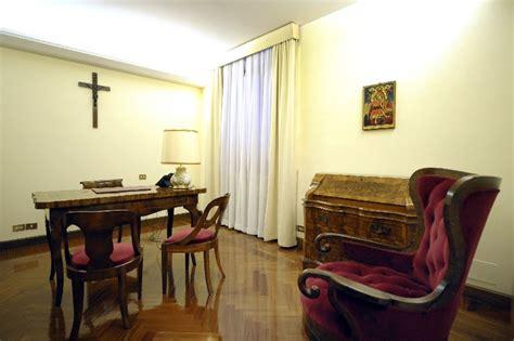 Studio Casa Privato by L Icona Della Vergine Axion Estin Nello Studio Privato