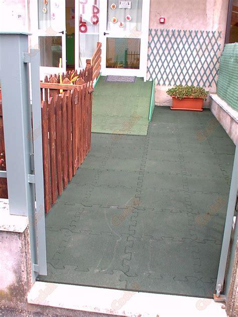 pavimenti antiscivolo pavimento re antiscivolo pavimento s b r codex srl