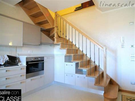 scale di legno per interni oltre 1000 idee su ringhiere delle scale in legno su