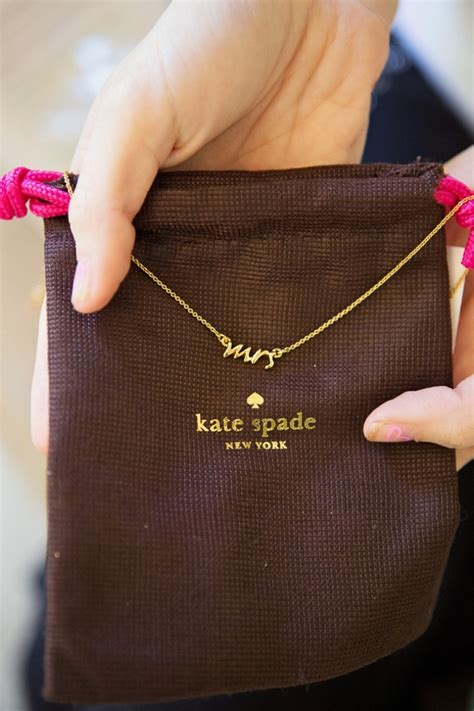 wedding gift kate spade 10 amazing gifts ideas for the and groom on their