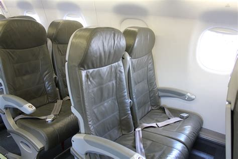 space seating reviewing a jetblue embraer e 190 flight from the bahamas