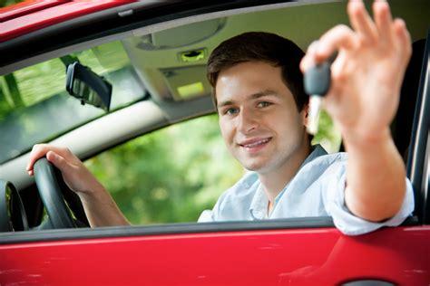 Erstes Auto Versicherung Kosten by G 252 Nstige Kfz Versicherung F 252 R Fahranf 228 Nger 9 Tipps Zum