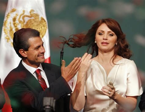 enrique pena nieto y familia mexican opposition party returns to power with