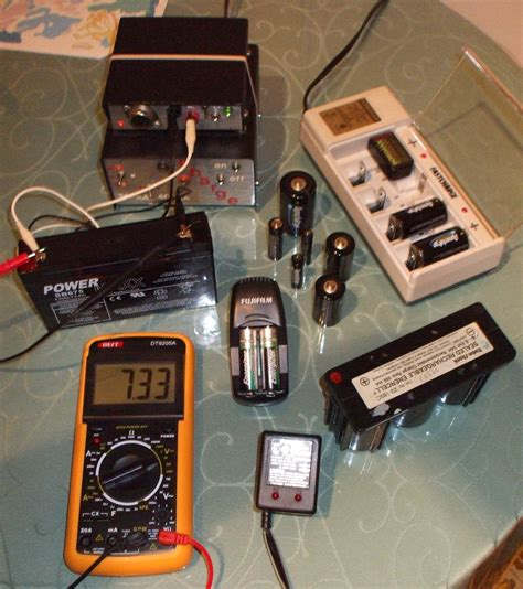 battery charger wiki file chargers chargeurs jpg wikimedia commons