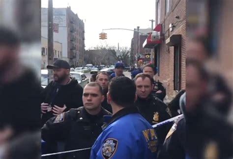 Cop Pipa polic 237 a de nueva york mata a hombre tras creer que ten 237 a un arma el d 237 namo