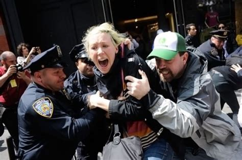 se filmer the wolf of wall street gratis 99 o filme colaborativo do occupy wall street filme