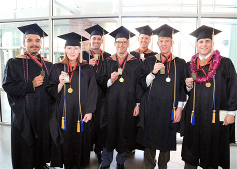 How To Recieve An Mba by Eleven Mba Graduates Receive Uno Distinguished Mba Scholar