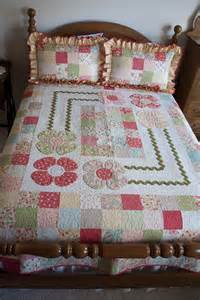 strawberry fields cottage quilt