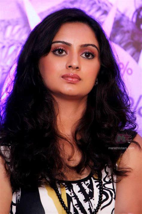 biography meaning marathi shruti marathe marathi actress photos biography