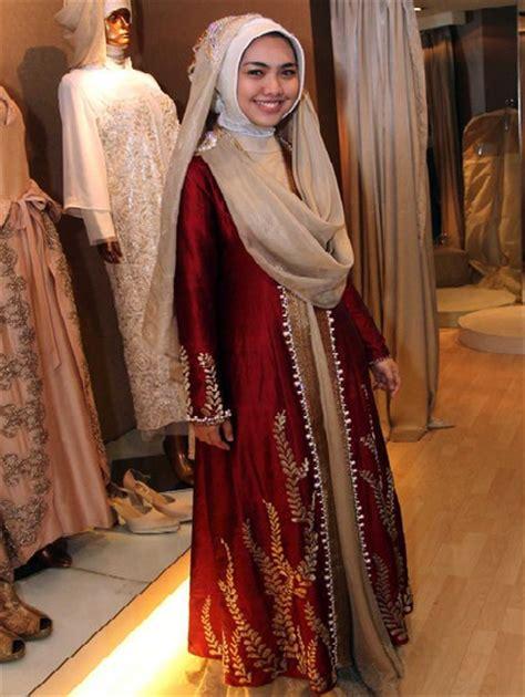 Jilbab Anak Oki foto pernikahan oki setiana dewi dan ory vitrio