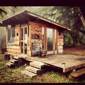 tiny cabin homes best 25 tiny cabins ideas on small cabins small log cabin plans and mini cabins