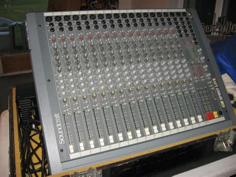 Mixer Spirit Live 4 Bekas soundcraft spirit live series 16 channel mixer w road reverb