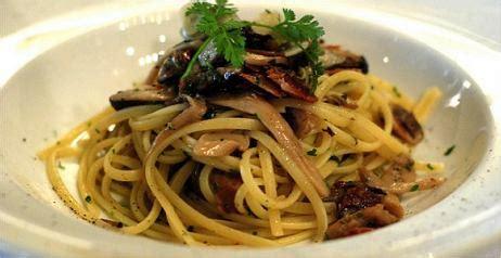 cucinare i funghi prataioli ricette coi funghi porcini prataioli chiodini pleurotus