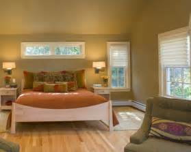 schmales bett windows above bed houzz