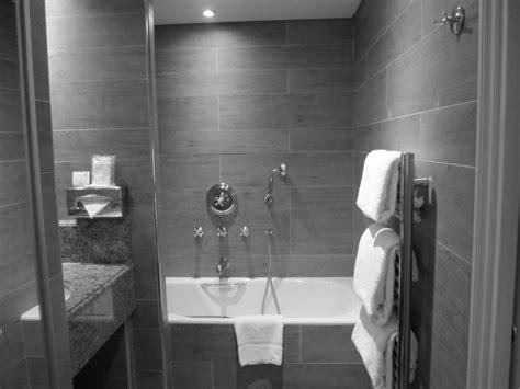 bathroom rev ideas 30 id 233 es incroyables de salle de bain gris et blanc