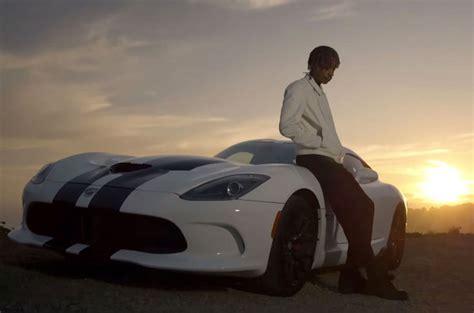 charlie puth car wiz khalifa charlie puth s see you again video hits 2