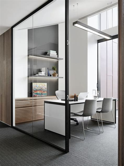 Executive Office Chairs Design Ideas 25 Best Ideas About Executive Office On Pinterest Commercial Office Design Workspace