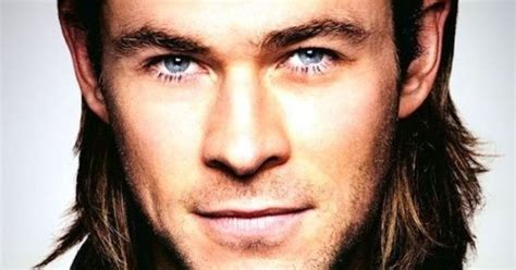 handsome actor with blue eyes chris hemsworth actor handsome blue eyes