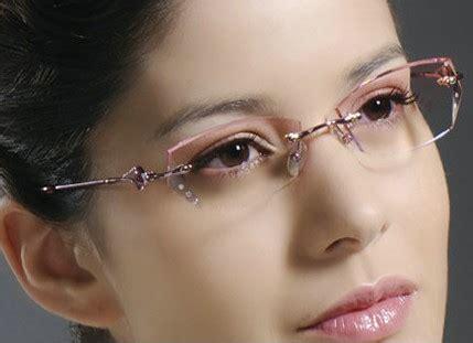 prescription eyewear suggestion for modern women in their 40 cool eyeglasses for woman new fashion arrivals styles