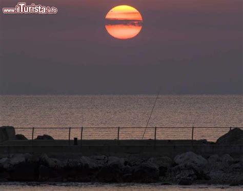 adriatico san benedetto tronto alba a san benedetto sul tronto mare adriatico foto