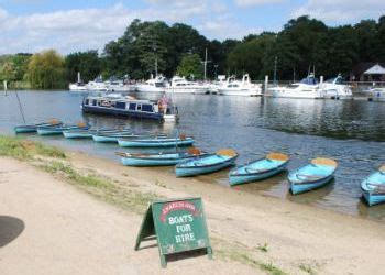 river thames boat hire marlow the river thames guide thames towns hton court