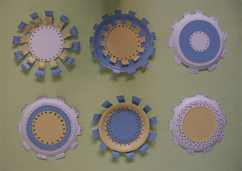 Paper Plate Decoration Craft - how to make flower crafts use paper plates to make