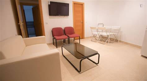santa rooms for rent room for rent in plaza de santa erasmus