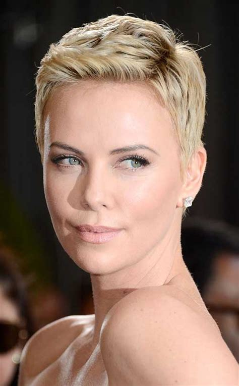 charlize theron s best hairstyles to copy in 2017