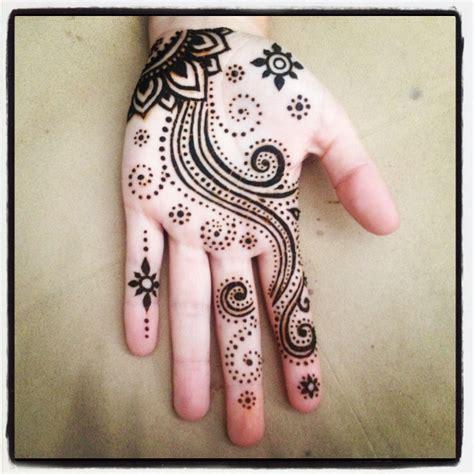henna tattoo burning man this henna on erin boubel for burning hennas
