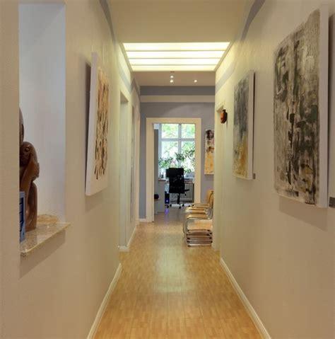 decoration couloir maison couleur de peinture pour couloir sombre deco maison moderne