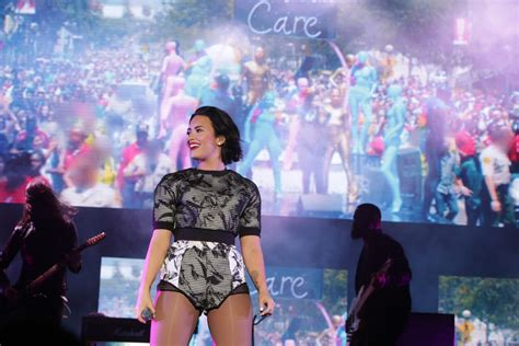 who is going to be at digifest 2015 world market news demi lovato photos photos digifest nyc 2015 zimbio