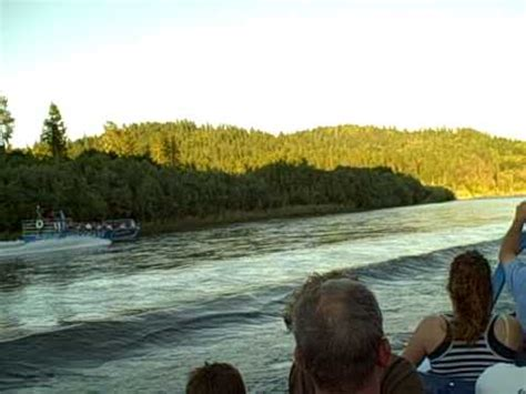 rogue river jet boat rides hell gate jet boat ride rogue river oregon youtube