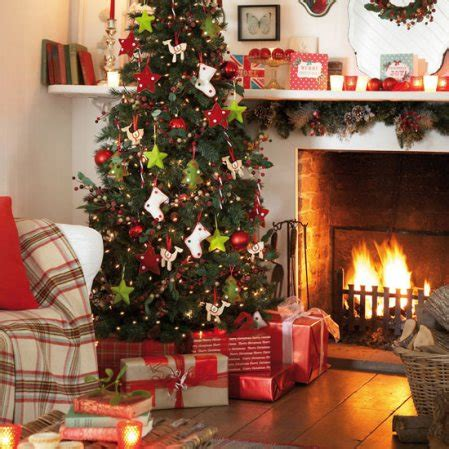 country christmas decorating ideas home give your home that country christmas feeling thehomebarn ie