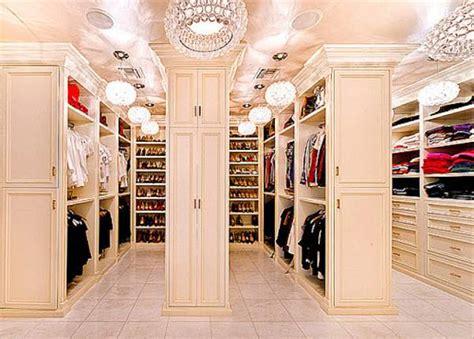 Carey S Closet by 10 Insanely Posh Closets Style Ph