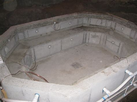 poured concrete bathtub concrete basements 173 berggren home builders 173 projects