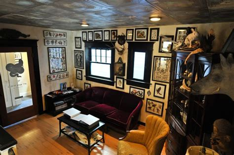 tattoo studio name ideas well decorated tattoo parlour home decor pinterest
