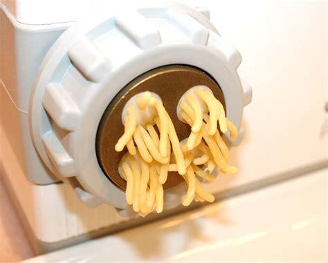 pasta sfoglia fatta in casa macchine per la pasta fatta in casa robot per cucina