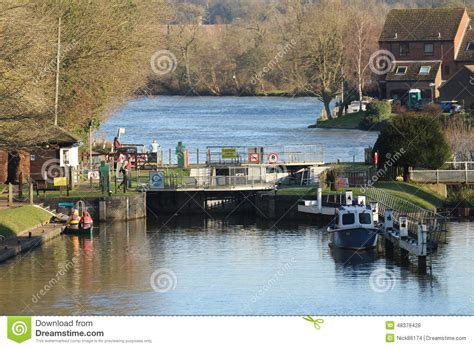 thames river distances temple lock on the river thames editorial stock photo