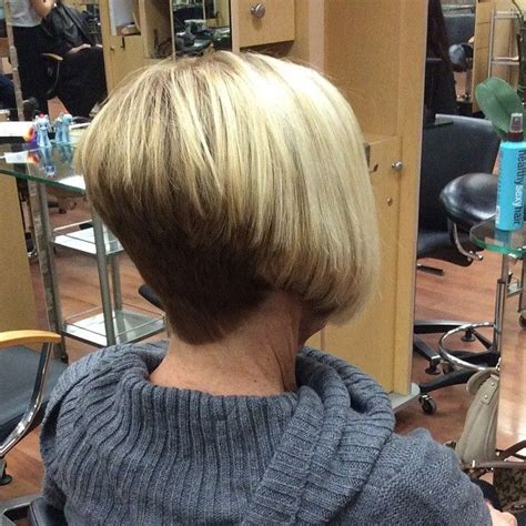 reverse bob with two tone color two tone stacked bob bobs napes and sexy hairstyles
