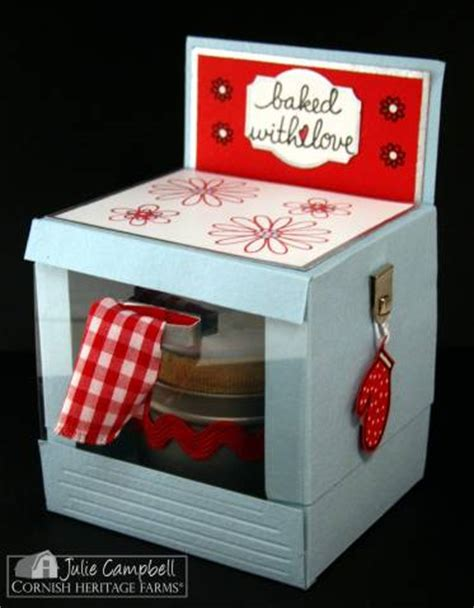 bun   oven favor box  juliemcampbell