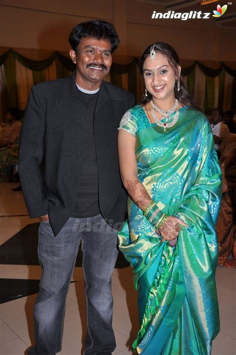 tamil actor sridevi vijayakumar events vijayakumar family wedding reception movie