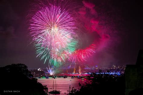 new years images happy new year sydney harbour fireworks distan bach