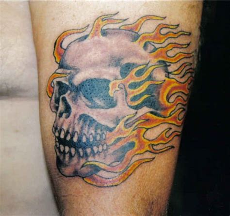 flaming skull tattoo galeria detatu flaming skull for guys