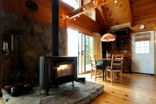 wood burning stove and dining area blackberry hideaway