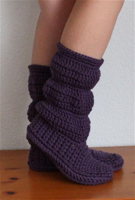 how to crochet womens slippers free crochet pattern for womens boot slippers crochet