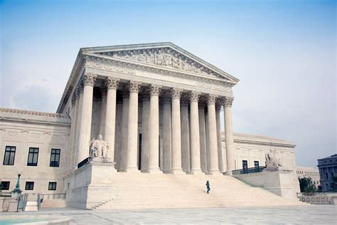 the supreme court how many u s supreme court justices are there