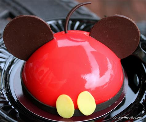 review  mickey mousse  snowball cake amorettes patisserie  disney springs